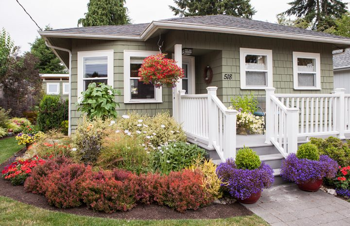 Make Your Garden Picturesque With Perfect Landscaping Ideas